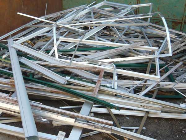 Azienda-per-riciclo-rifiuti-Piacenza