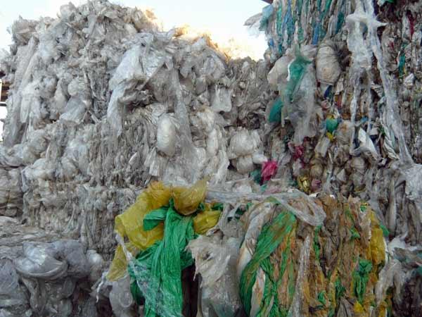 Riciclaggio-plastica-Piacenza-pavia